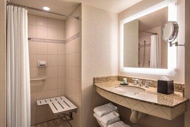laswi-bathroom-5414-hor-clsc