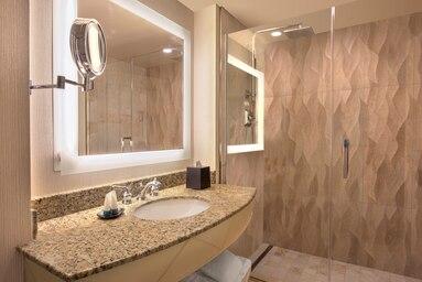 laswi-room-bathroom-5413-hor-clsc